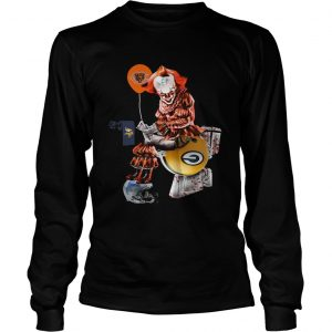 Pennywise Chicago Bears sitting toilet Green Bay Packers longsleeve tee