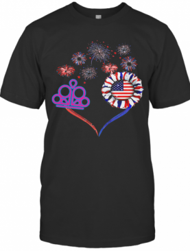 Love Queen Firework America 4Th Of July Independence Day T-Shirt
